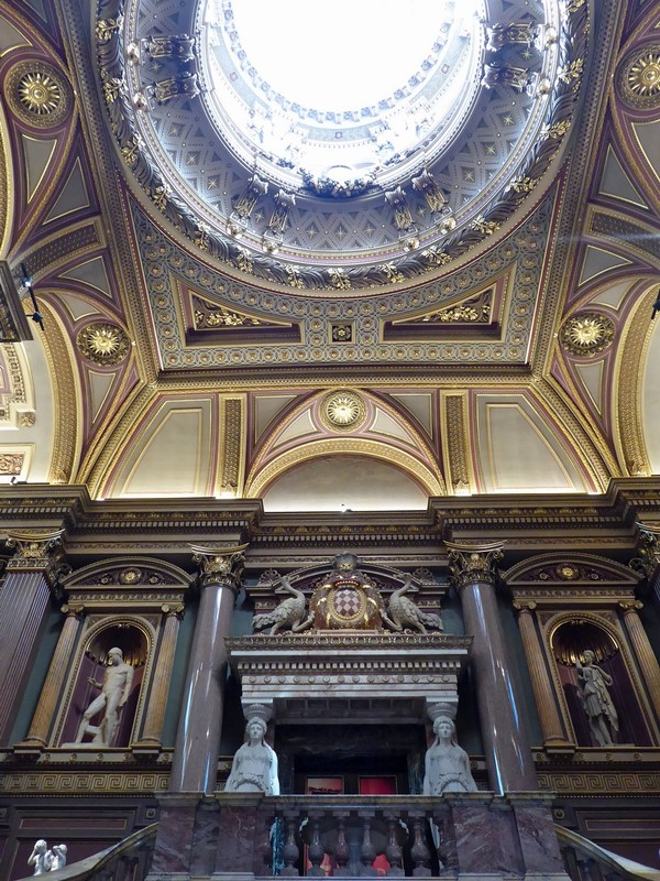 Entrance hall of the Fitzwilliam Museum, Cambridge
