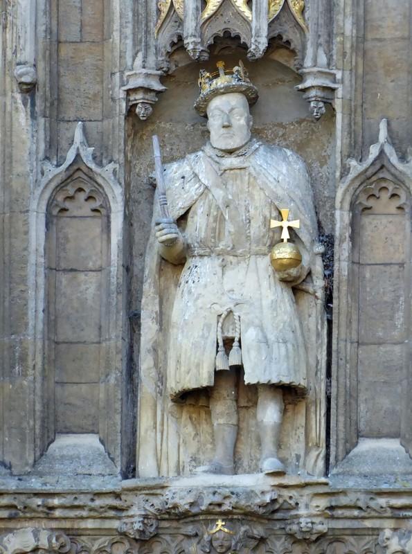 Trinity College, Cambridge - statue of Henry VIII