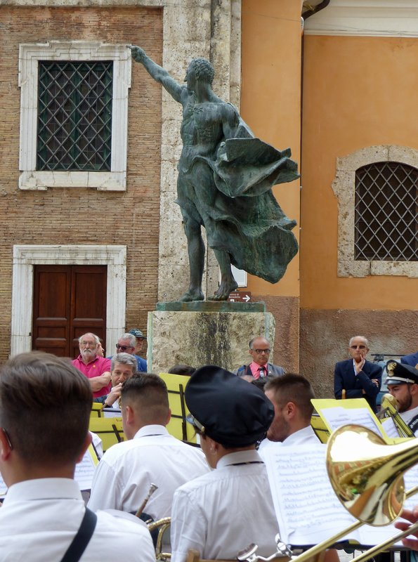 Musical performance in front of the statue of Cicero, Piazza Municipio, Arpino