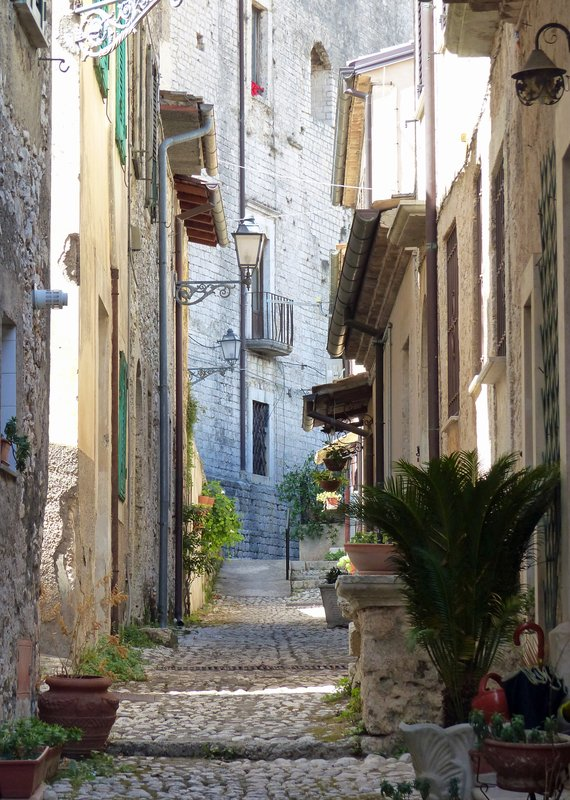 Lane in Falconaro quarter, Arpino