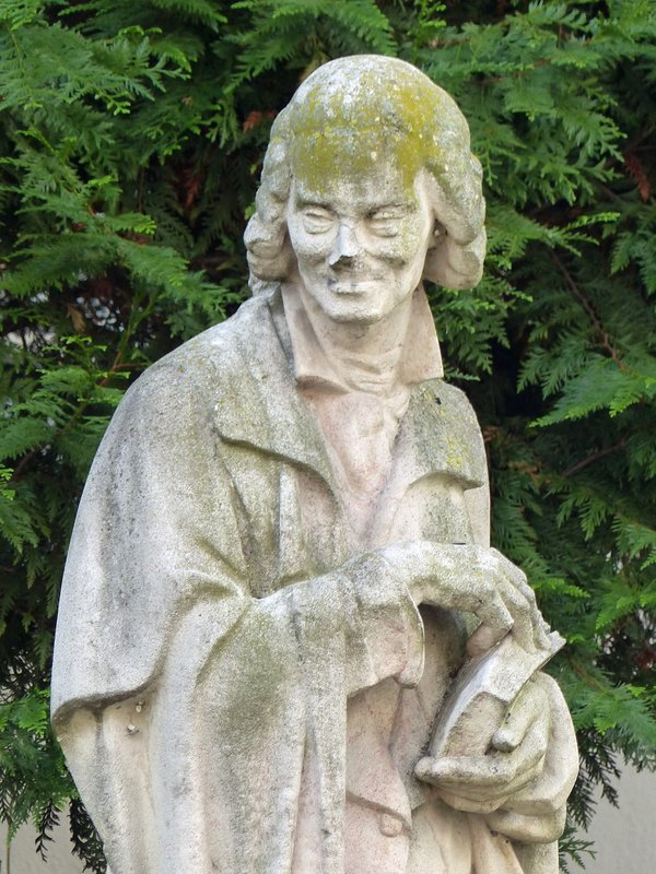 Statue of Voltaire near the L'Institut de France