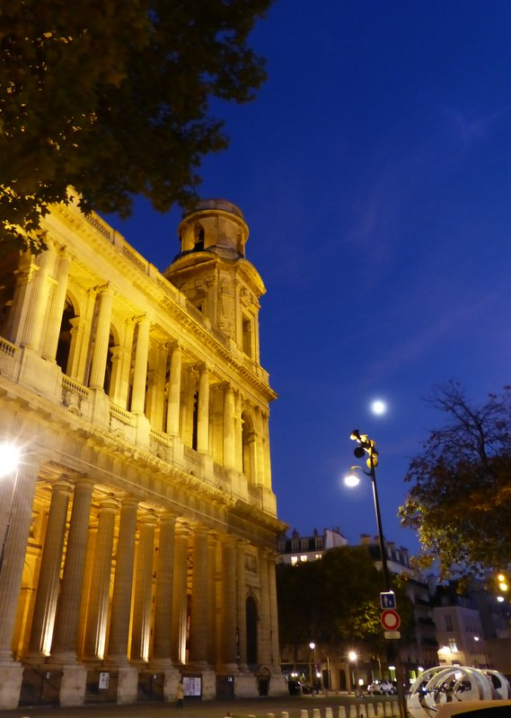 Saint Sulpice at night