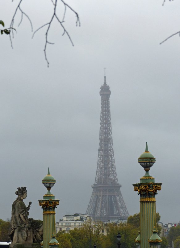 Eiffel Tower from Place de la Concorde