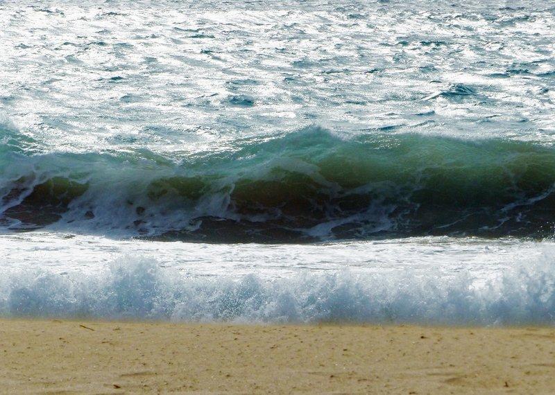 Waves on the shore, near the Hilton on Sal