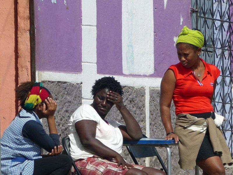 Locals chatting, Tarrafal, Santiago