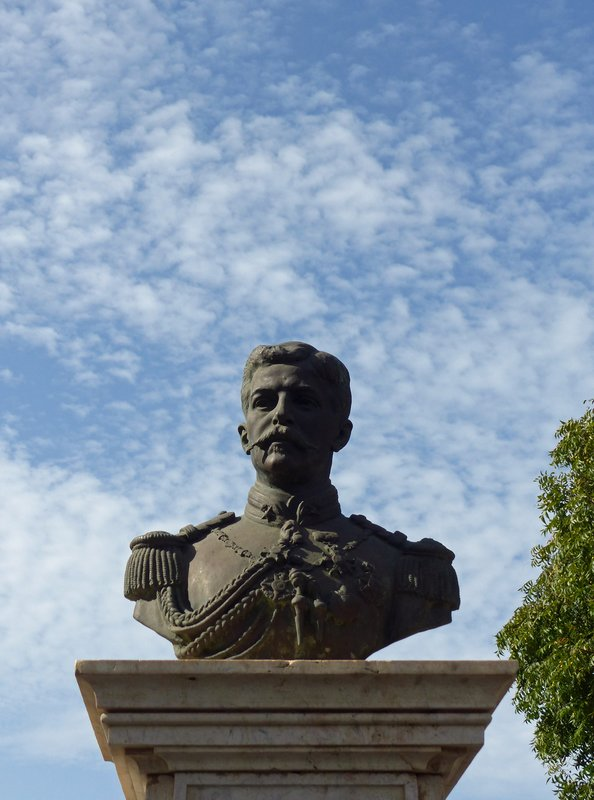 Bust of General Serpa Pinto