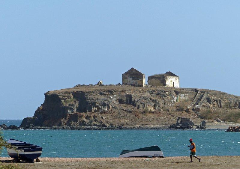 Ilhéu Santa Maria from Gamboa, Praia