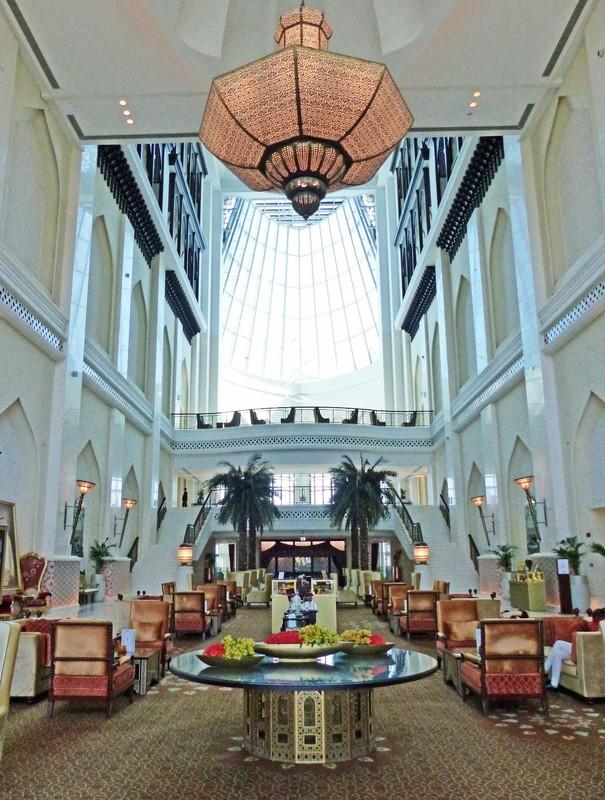 Bab al Qasr hotel atrium