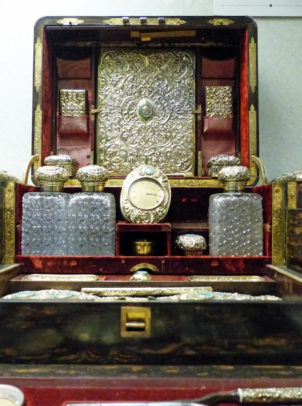 Lillie Langtry's dressing case in the Jersey Museum