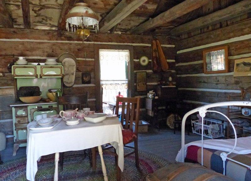 Pioneer Village, Cashmere WA - cabin interior