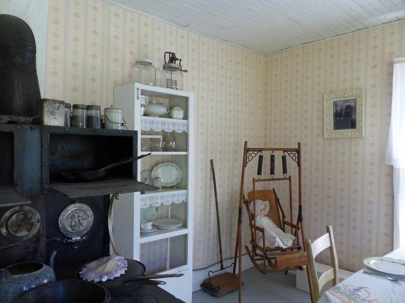 Pioneer Village, Cashmere WA - cabin