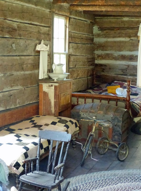 Pioneer Village, Cashmere WA - log cabin
