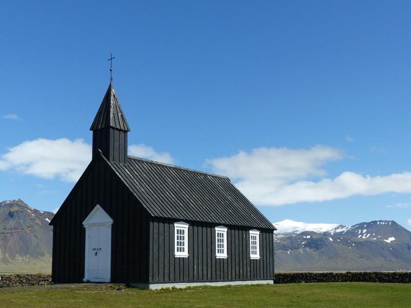 The church at Búðir