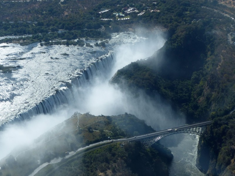 Helicopter flight above Victoria Falls - the shape of the falls