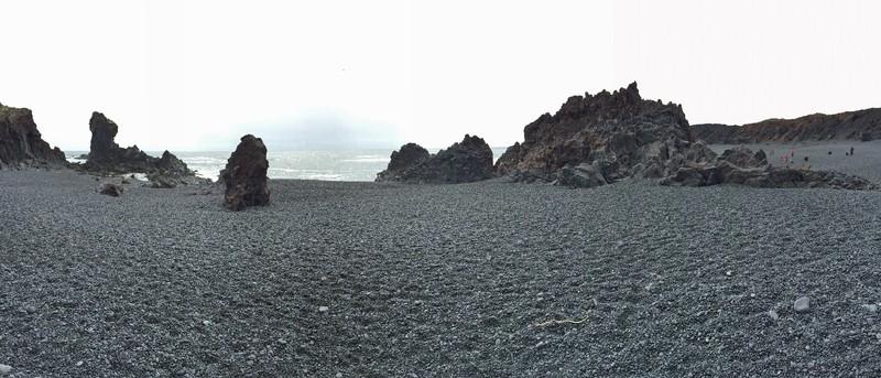 The black sands of Djúpalónssandur