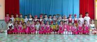 After the performance, Chongjin Steelworks Kindergarten