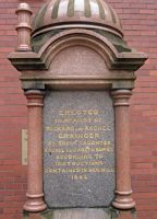 395569686327687-Plaque_to_Ri.._upon_Tyne.jpg