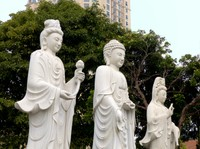 Statues at Tao Sach, Hanoi