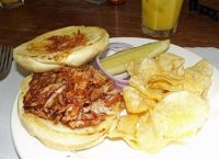 6054423-BBQ_pork_sandwich_Lincoln.jpg