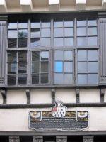 6165481-The_famous_window_Newcastle_upon_Tyne.jpg