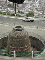 6469026-Olla_del_Panecillo_Quito.jpg