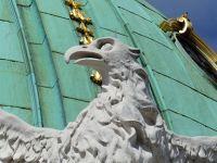 7113793-The_Hofburg_Palace_Vienna.jpg