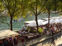 Bars on the Quai de l'Hôtel de Ville