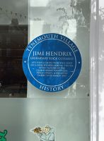 7463173-Jimi_Hendrix_sign_Tynemouth.jpg