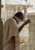 7550833-Jain_priest_in_the_temple_Sadri.jpg