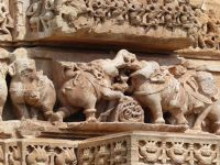 7551681-Jain_Tower_detail_Chittaurgarh.jpg
