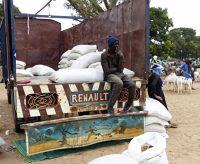 More market photos - Ngueniene