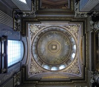 Domed ceiling in the entrance of the Painted Hall