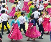 Mass dancing in Pyongyang on National Day