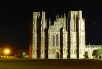 Wells Cathedral at night