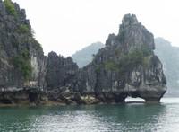 Rock formations, Bai Tu Long Bay