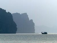 Afternoon light, Bai Tu Long Bay