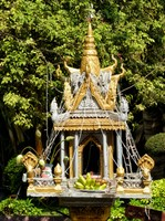 Shrine at Wat Preah Prom Rath