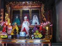 Female goddesses known as 'mothers', Tran Quoc Pagoda