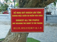 Sign at Tran Quoc Pagoda