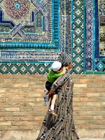 Locals at the Shah-i-Zinda
