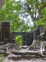 Ruins at Wat Tomo