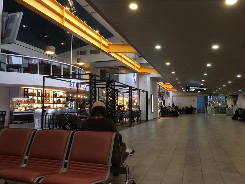 VNO Departures