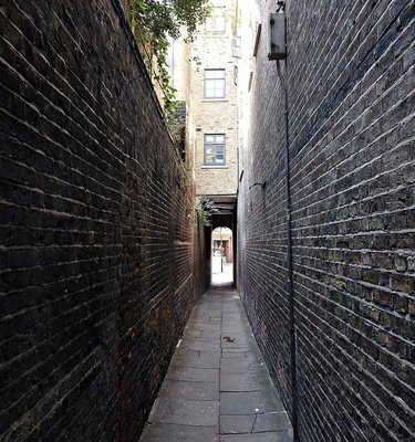 Passing Alley