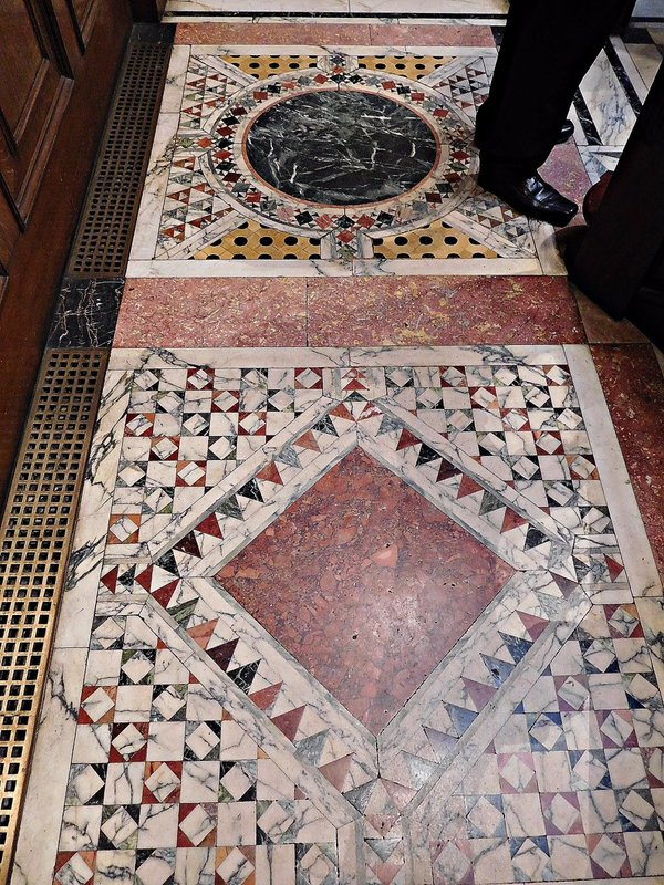 Two Temple Place: marble floor