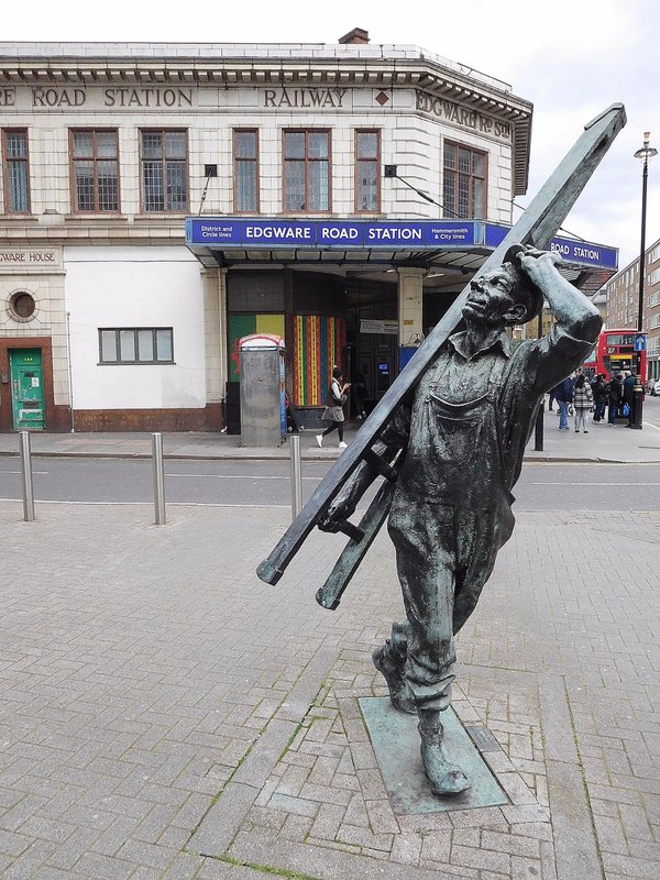Edgware Road Metropolitan Station and Window Cleaner statue