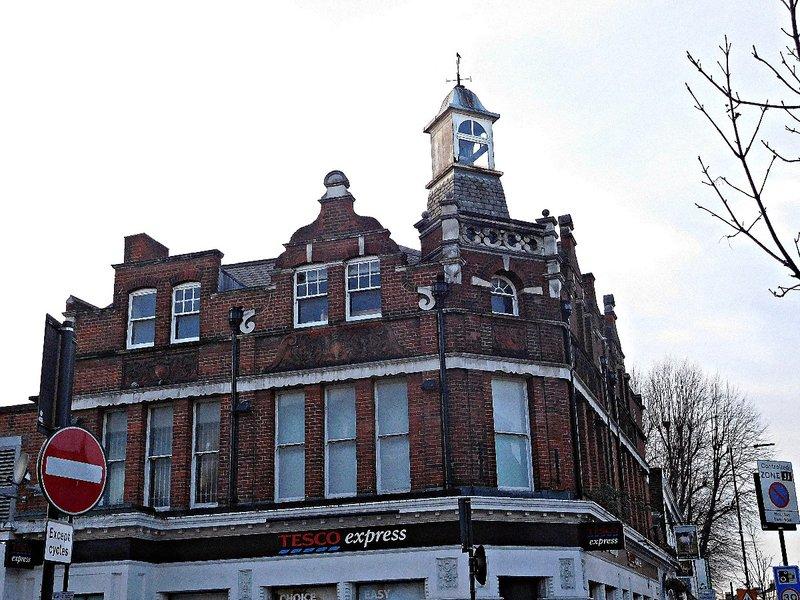 Former White Horse pub