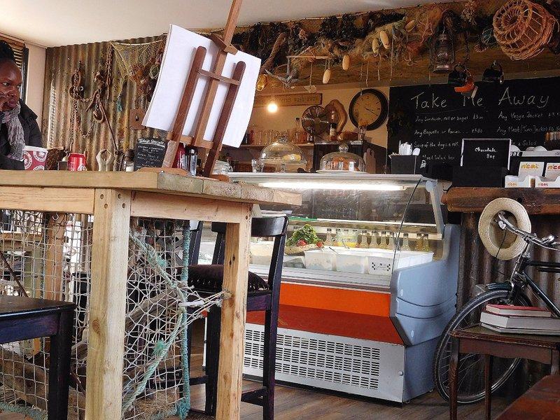 CITISLE 22  Leamouth City Island BOW CREEK CAFE