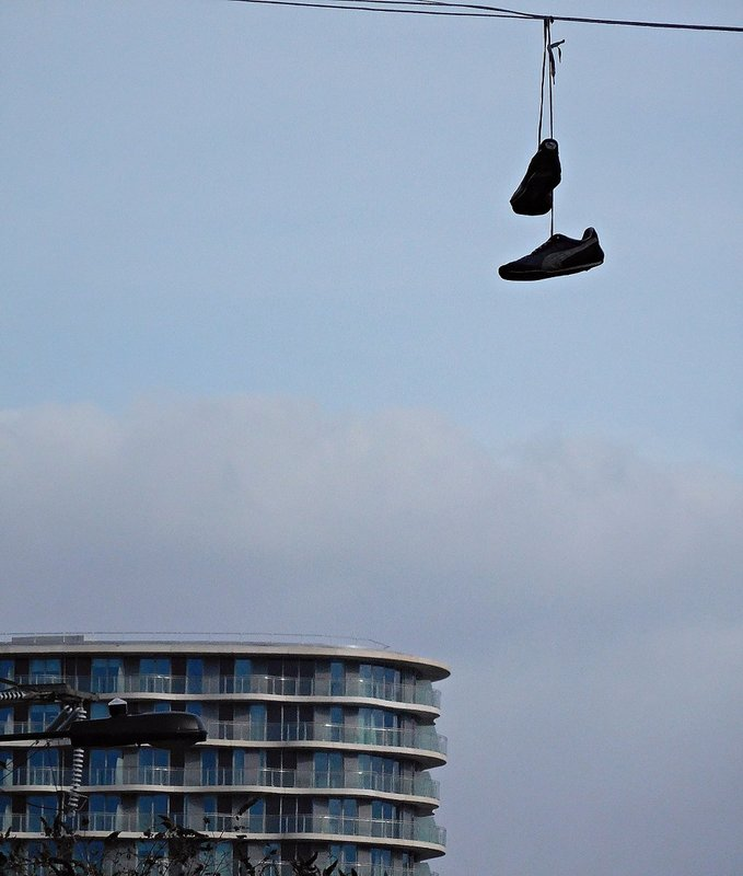 Suspended shoes