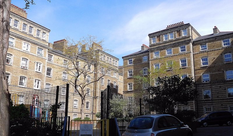 Clerkenwell Close Peabody courtyard