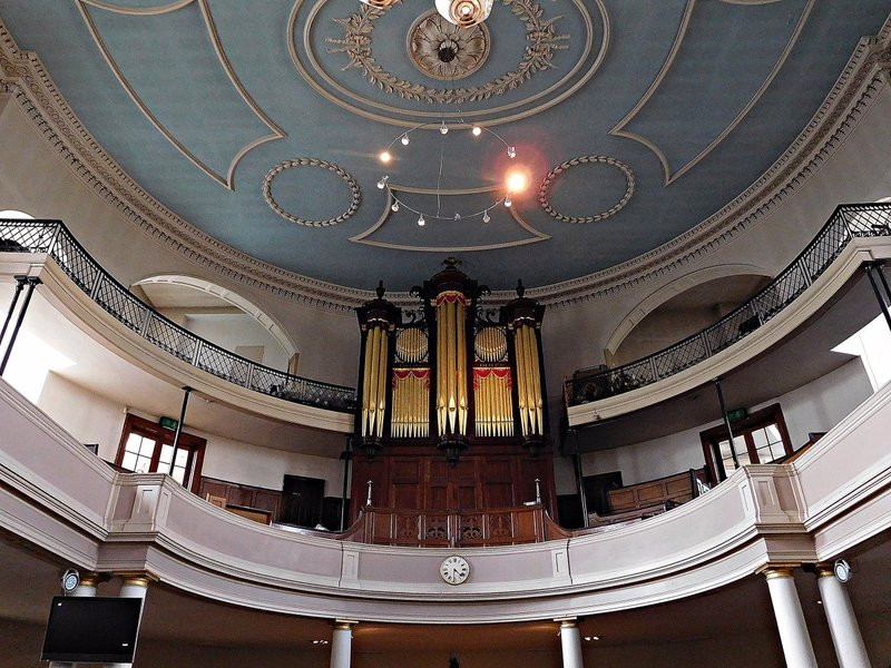St James Church: organ and ceiling